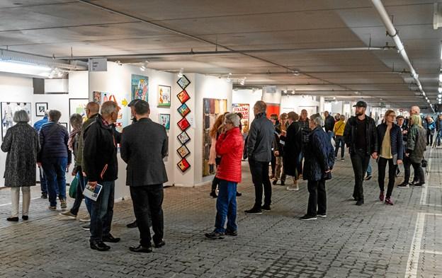 Kunstudstillingen NORTH trak ifølge arrangøren ca. 12.000 besøgende til udstillingslokalerne i p-kælderen. Foto: Galerie Wolfsen
