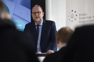 Energi- og klimaminister Lars Christian Lilleholt vil gøre det muligt for alle at få en bil, der kører på el.