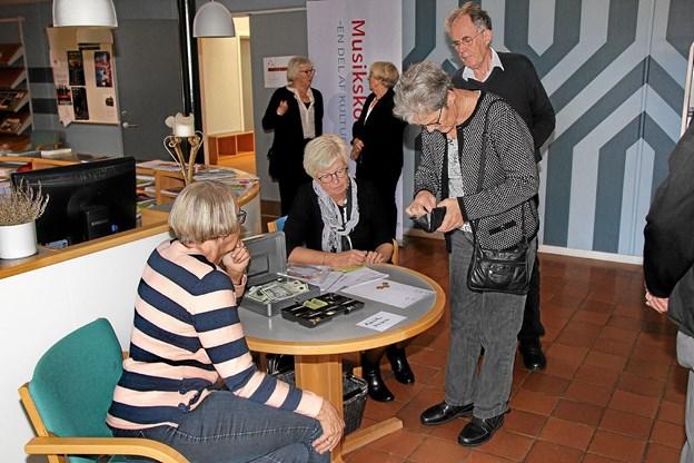 125 løste billet til foredraget med hofreporter Bodil Cath. Foto: Hans B. Henriksen