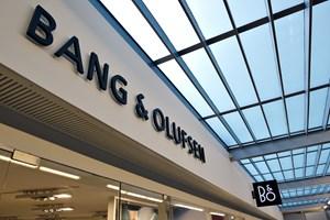 Bang & Olufsen er udfordret på salget i Europa, mens kineserne hiver produkterne ned af hylderne.