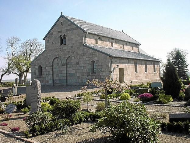 Salling kirke er første stop på vejen i den historiske Salmestafet. Mød op tirsdag den 9. oktober kl. 19.30 og vær med til en aften fuld af sang! Foto: Ukendt