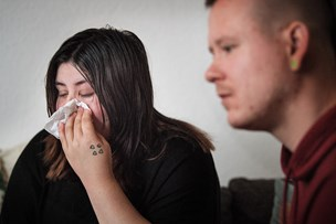 Enna blev tvangsfjernet ved en fejl - nu går forældre i retten for at få hende tilbage