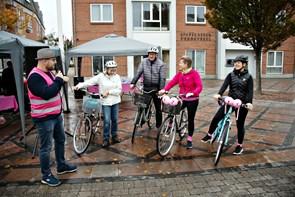 Hyggelig lyserød lørdag trods få cyklister