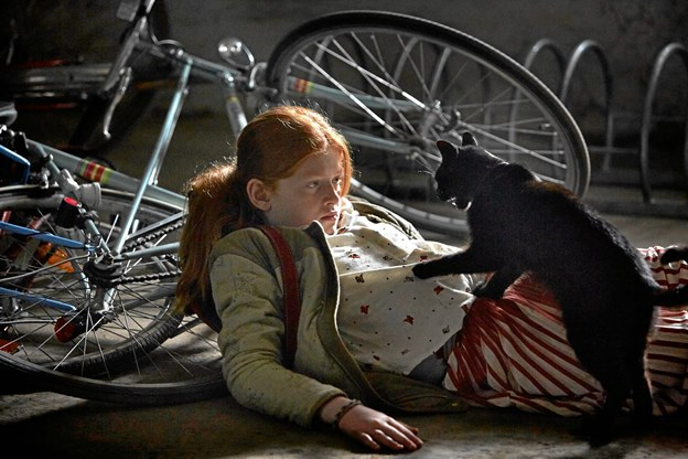 12-årige Clara (Gerda Lie Kaas) er minsandten en vildheks.