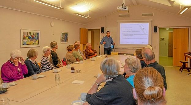 Lars Vestergaard - afdelingsleder fra Ranum Asylcenter svarede på spørgsmål fra tilhørerne. Foto: Mogens Lynge