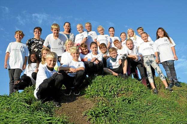 5.d på Terndrup Skole benyttede skolernes motionsdag til at løbe for børn med gigt. Foto: Jesper Bøss