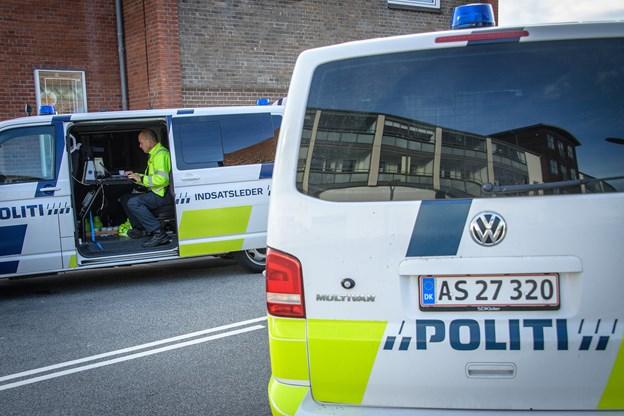 Mand blev fundet død i Hirtshals: To mænd varetægtsfængslet i fire uger