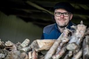 """Fra Dronninglund Nærradio til """"Vild med dans"""": Anders har pensionsopsparingen liggende i rom"""