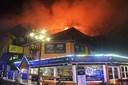 Stor evakuering på Bakken - restaurant nedbrændt