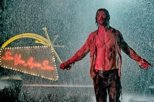 Film: Alt for meget splattervold på hemmelighedernes hotel