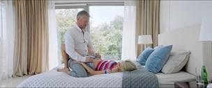 Vold, sex og feriestemning er der nok af - men ny dansk film skuffer på handlingen