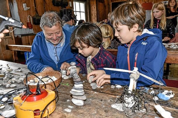 Skaller, sten og børn i Madpakkehuset