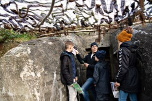 Feriehit i Frederikshavn: Her jagter børn skatten i historiens vingesus