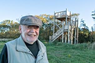 Glæden er tårnhøj i Hallund: Nu står særligt byggeprojekt færdigt