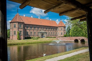 Voergaard Slot med i kamp om at blive Danmarks smukkeste herregård