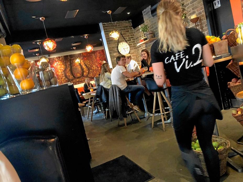 Fejrer rund fødselsdag: Cafe Vi2 serverer mad til en 10'er