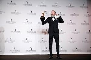 """Lars Mikkelsens pris for rollen i """"Herrens Veje"""" understreger dansk dramas kvalitet, mener prismodtageren."""