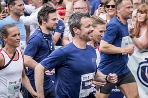 Flere end 70.000 løb sidste år med i Royal Run. Løbet vender tilbage i 2019. Nu også på Bornholm og Færøerne.