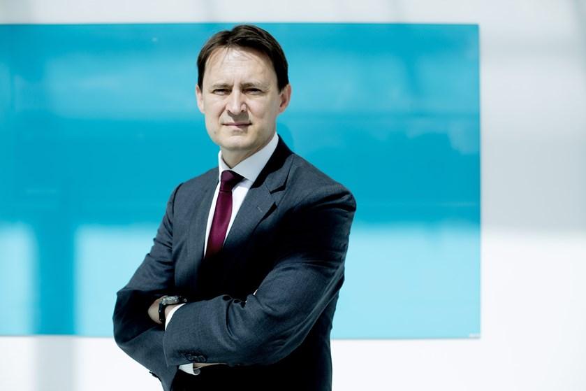 Kristian Villumsens første kvartalsregnskab som topchef i Coloplast består af vækst i overskud og omsætning.