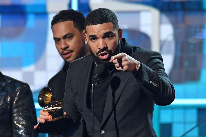 Hiphopstjernen Drake brugte sin takketale ved Grammy Awards på at fortælle, hvor ligegyldig prisen er.