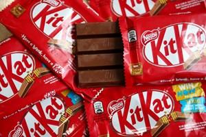 Den schweiziske fødevarekæmpe Nestlé solgte for næsten 600 milliarder kroner i 2018, viser regnskab.