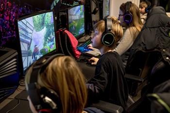 Forskere ved Oxford har ikke kunnet finde sammenhæng mellem vold i computerspil og ændret opførsel hos unge.