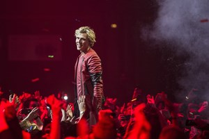 Sangeren Christopher tog de første skridt som popstjerne som 17-årig. Nu er han blevet voksen.