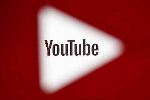 Kommunikationschef erkender, at YouTube ikke har været hurtig nok til at spotte pædofiles misbrug af videoer.