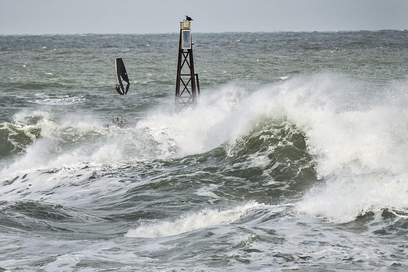 Udsigt til vindstød af stormstyrke betyder, at flere færgeafgange fredag mellem Gedser og Rostock er aflyst.