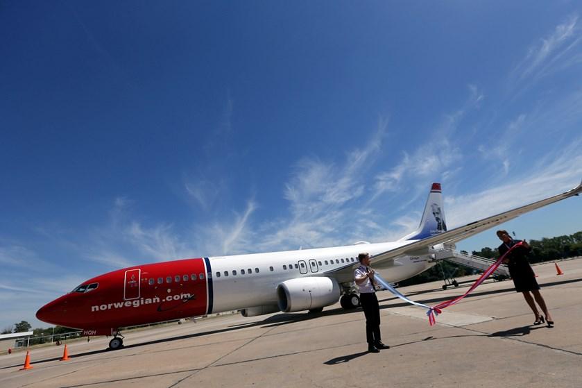 Flyselskabet Norwegian fortsatte sin markante vækst i februar. Men der var flere af de dyre tomme sæder.