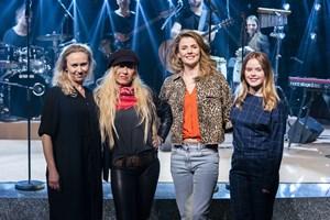 Sanne Salomonsen er beæret over, at der bliver lavet en musical om hendes liv, selv om hun kun er 63 år.