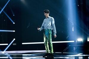 Han bjergtager på X Factor-scenen, men Kristian Kjærlund har kæmpet med sig selv og andre for at stå der.