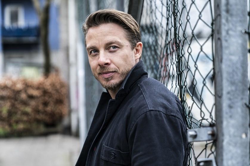 Skuespiller Johannes Lassen går ofte en smule til ekstremerne for at forberede sig til en rolle.