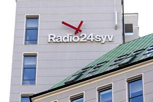 Det vil være besværligt at finde plads på FM-båndet til et amputeret Radio24syv, men de kan sende over nettet.