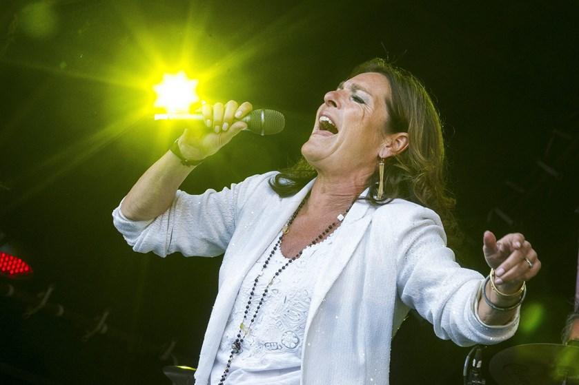 De tre garvede sangerinder Anne Linnet, Sanne Salomonsen og Lis Sørensen skal med på koncertkaravanen Grøn.