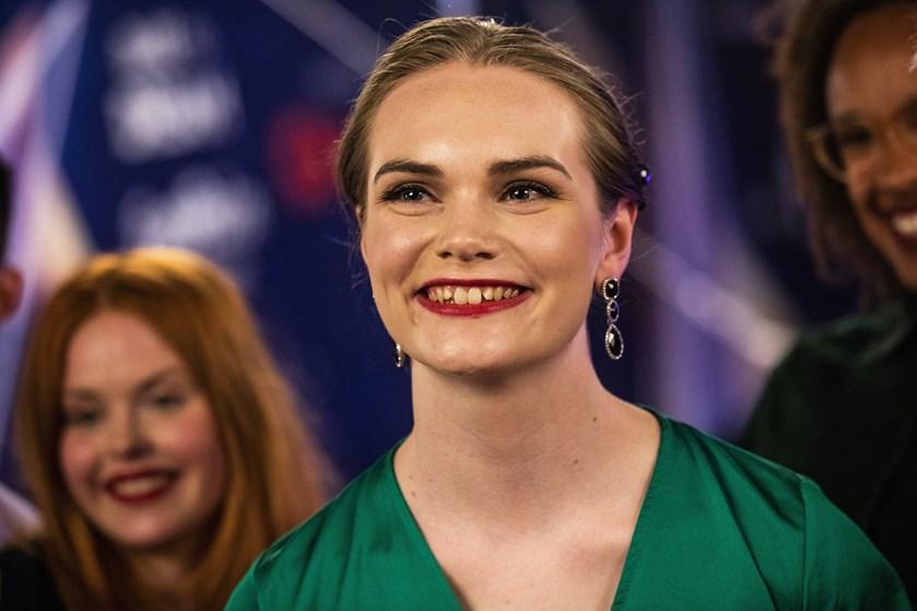 20-årige Leonora Colmor Jepsen skal forsøge at sende Danmark videre i Eurovision, når hun torsdag går på scenen i Tel Aviv i Israel.