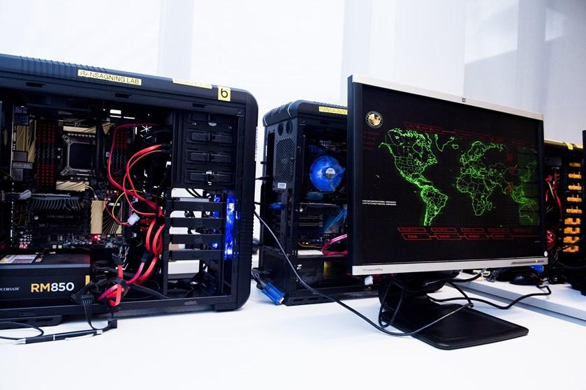 En fysisk defekt i en computerprocessor fra Intel kan være en åben dør til kodeord og følsomme oplysninger.