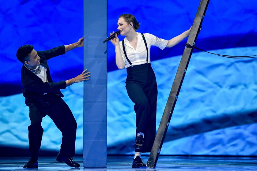 Om lidt er det alvor for danske Leonora, der skal synge Danmark videre i Eurovision.