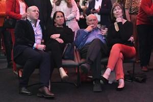 Australiens konservative vinder parlamentsvalg trods odds imod dem. Målinger havde spået sejr til Labor.