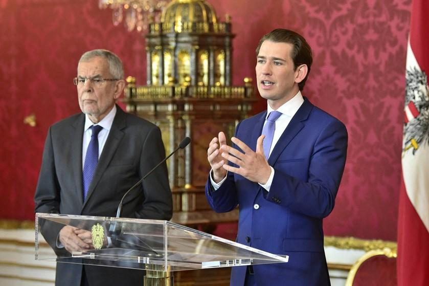 Præsident og kansler i Østrig er enige om afholde valg, efter at famøs video har udløst regeringskrise.