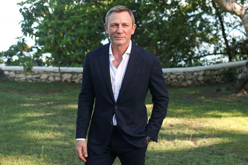 Daniel Craig er kommet til skade under optagelserne på den nyeste James Bond-film, og det kræver behandling.