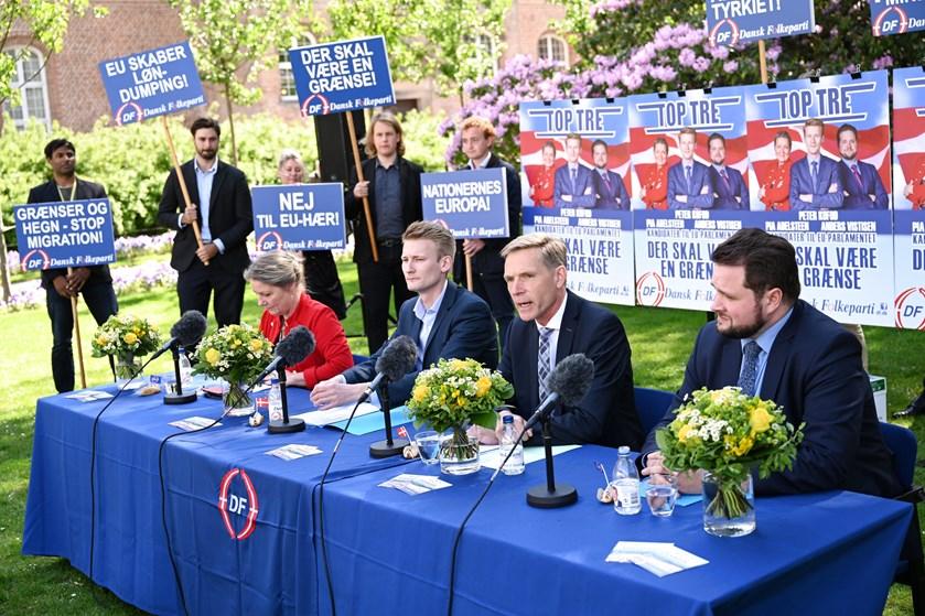 DF-formand Kristian Thulesen Dahl satser på, at spidskandidat Peter Kofod og Anders Vistisen bliver valgt.