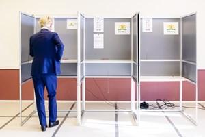 Socialdemokrater vinder EP-valget i Holland. EU-modstander tager stemmer fra Wilders' Frihedsparti.