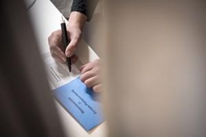2.797.761 vælgere har afgivet deres stemme til EU-parlamentsvalget. Det svarer til 66 procent og er rekord.