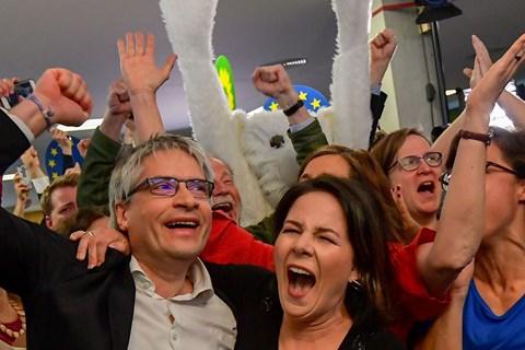 De Grønne er stormet frem på bekostning af de gamle partier CDU og SPD. Højrefløjen får skuffende resultat.