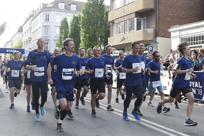 Det ser ud til at holde tørt anden pinsedag, når 82.028 tilmeldte løber Royal Run i fire danske byer.