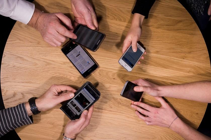 Data fra smartphones kan styrke sundhedsvæsenet, lyder det fra Dansk Industri i samarbejde med regionerne.