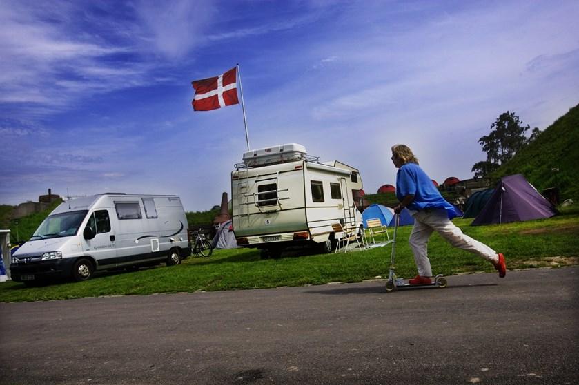 Der er udsigt til rekord i antallet af overnatninger på danske campingpladser, hoteller og feriecentre i 2019.