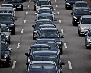 S er skeptisk, men partierne, der skal udgøre parlamentarisk grundlag, vil have gang i debat om roadpricing.
