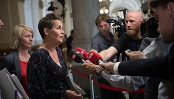 SF's formand Pia Olsen Dyhr er meget uforstående for, at Radikale Venstre ikke kommer til klimaforhandling.